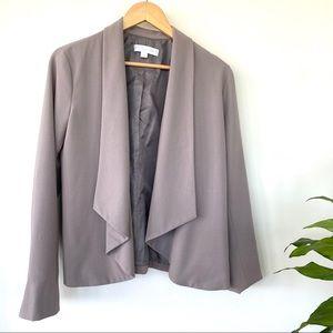 Flyaway front jacket, fully lined